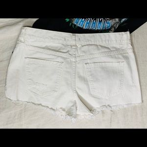 Free People Shorts - Free people off white shorts with buttons details.